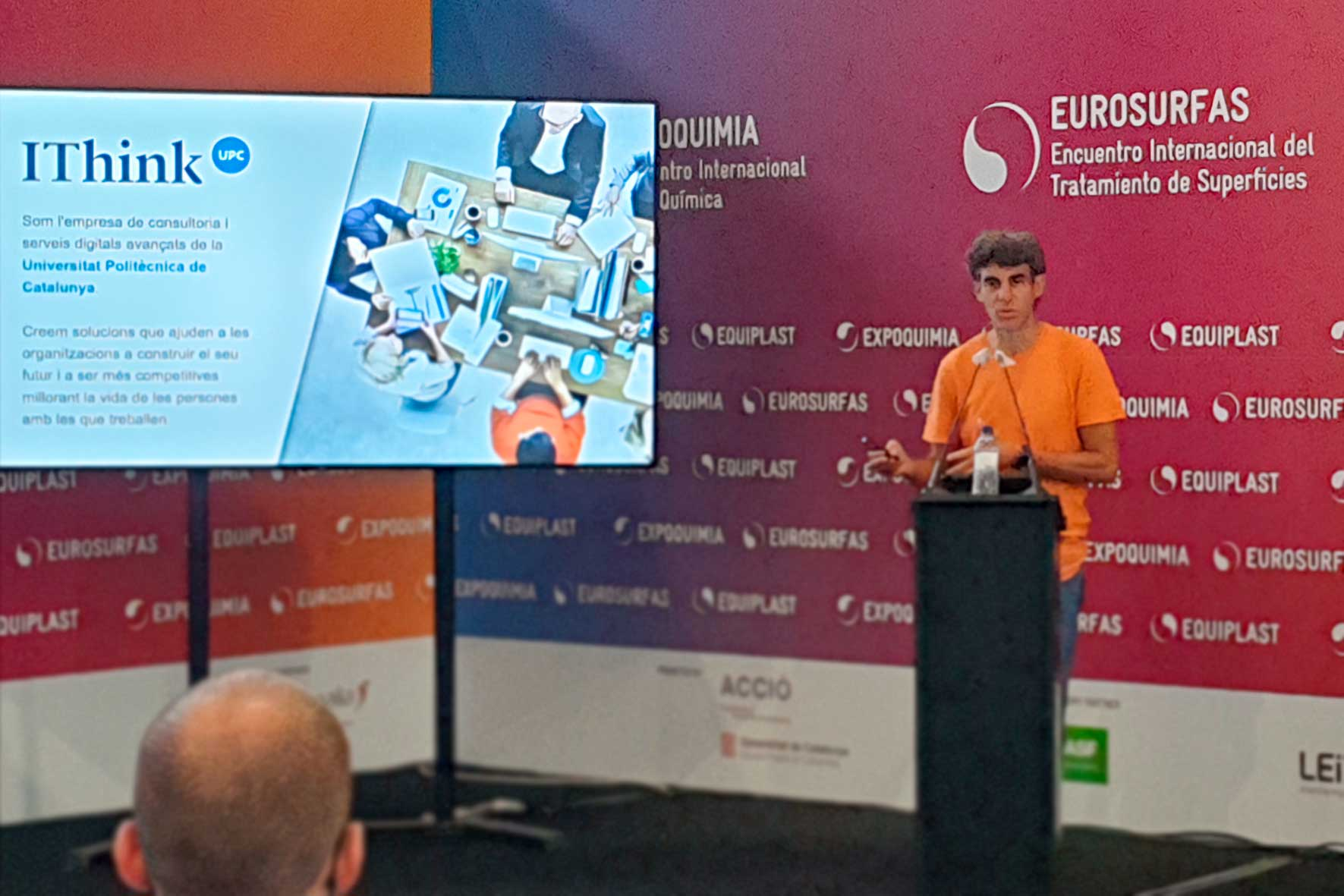 Sergi Sales mostra les nostres solucions d'indústria 4.0 en el marc de la Fira Expoquimia